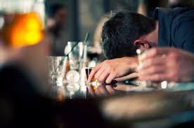 Alcol, nel Lazio 6 adolescenti su 10 praticano il binge drinking