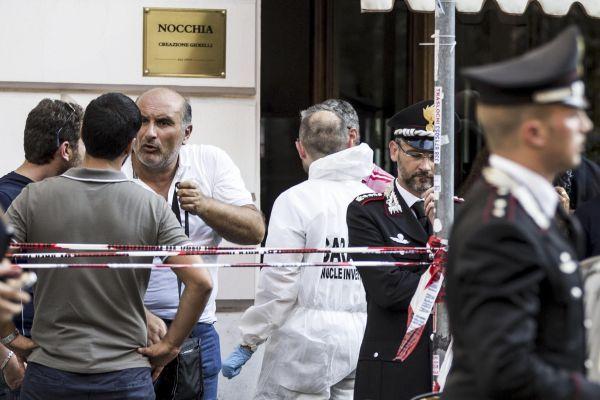 Prati, gioielliere ucciso durante una rapina: il 70enne colpito alla testa