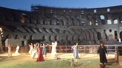 Il furore di Medea conquista il Colosseo