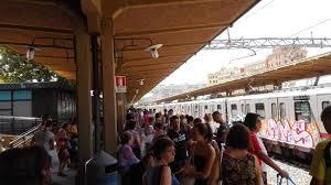 Trasporti, caos in metro: il prefetto precetta i macchinisti contro lo sciopero. Si ferma un treno a...
