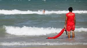 Ostia, ruba lo zaino a turisti tedeschi in spiaggia: in manette