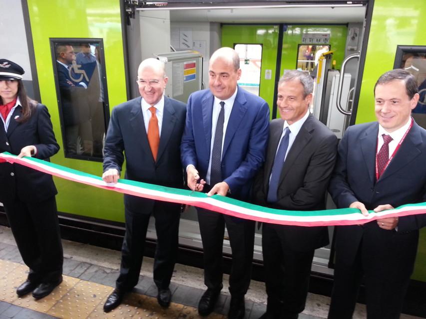 Tpl, Zingaretti consegna il nuovo treno Roma-Civitavecchia