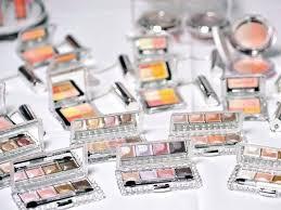 Cecchignola, ritrovati 30mila cosmetici falsi