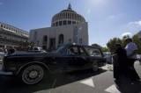 Mafia capitale, la sinistra a Don Bosco per il sit-in contro la criminalità: in piazza anche il sindaco