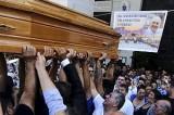 """Per il funerale show la carrozza di Totò, Casamonica: """"Scuse solo al Papa"""". Ma il parroco: """"Lo rifarei"""""""