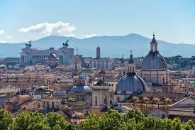 Giubileo, i turisti tornano a Roma: +25% per l'Anno Santo. Ma Confocommercio contro Tronca