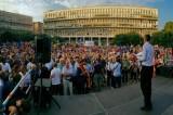 """Mafia, al via il sit-in: piazza Don Bosco blindata. Marino: """"Non vinceranno"""". Il sindaco contestato: """"Bugiardo"""""""