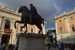 Roma - Crisi Campidoglio: pronte le dimissioni di 26 consiglieri, 19 del Pd e altri  7 dell'opposizione