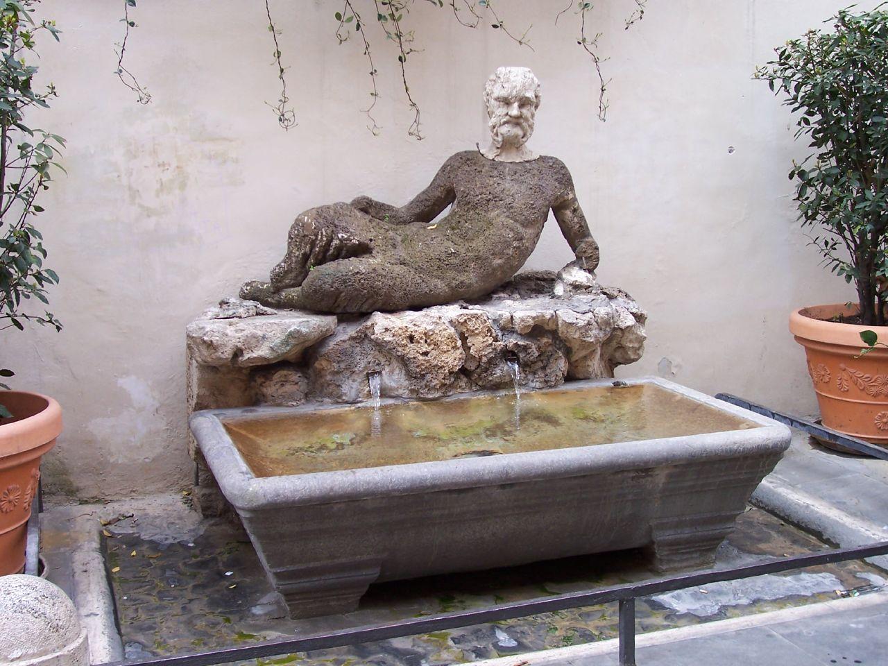 Al via il restauro della fontana del Babuino: le statue parlanti della Capitale