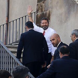 Campidoglio, Marino al lavoro e guarda avanti: nel Pd il ritiro delle dimissioni fa paura. Per l'ass...