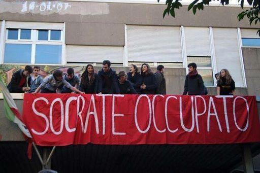 """Scuola, """"stop tagli"""": occupati tre licei a Roma"""