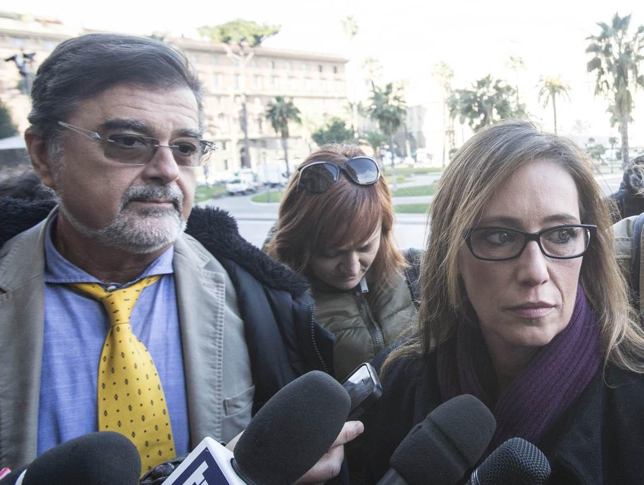 """Cucchi, Cassazione: """"Appello bis per 5 medici"""". Nuovo processo dopo 6 anni di perizie e in..."""
