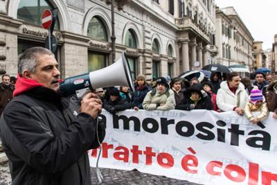 Emergenza casa, protesta dei movimenti per il diritto all'abitare