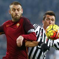 Roma, tiene banco il caso De Rossi ma Boniek lo assolve: