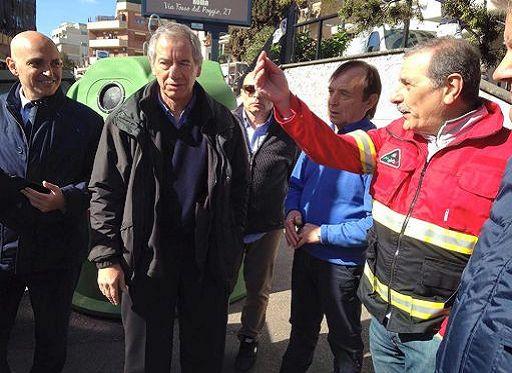 Bertolaso, due mesi da candidato sindaco: tra gaffe e polemiche dalla Protezione civile alla panchin...
