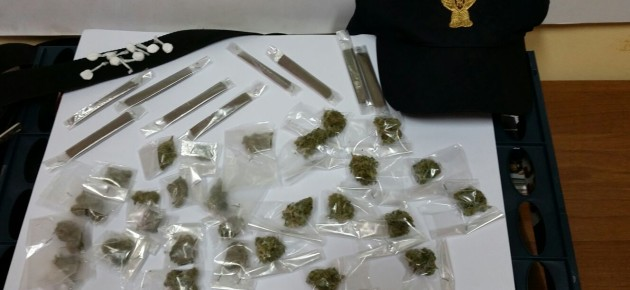 Ostia, arrestata una 61enne e il nipote per 1,5 kg di hashish e marijuana
