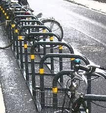 II Municipio, arrivano gli stalli per le bici a scuola e alle fermate metro