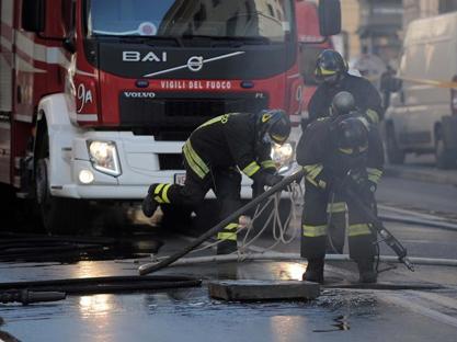 Corso Vittorio, incendio in una galleria di servizio. Acea stacca l'energia