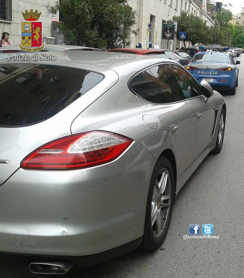 Fermato su un'auto in leasing: sequestrato il mezzo dalla polizia