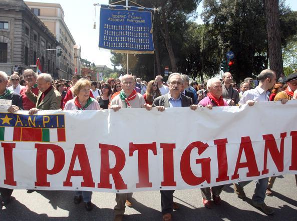 25 aprile diviso a Roma, la brigata ebraica a via Tasso e l'Anpi al corteo