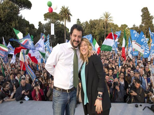 """Centrodestra, Meloni apre la campagna: """"Corro per vincere"""". Bertolaso resiste, FI spaccata"""