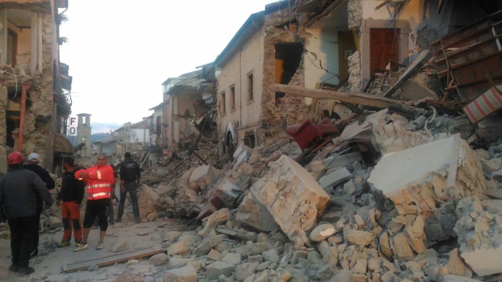Terremoto, da Renzi le solite parole di circostanza