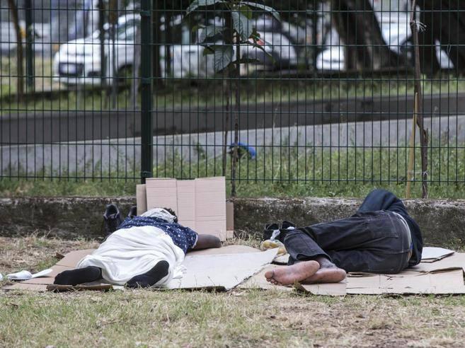 Roma, Colle Oppio: chiusura immediata cancelli parco contro illegalità e degrado