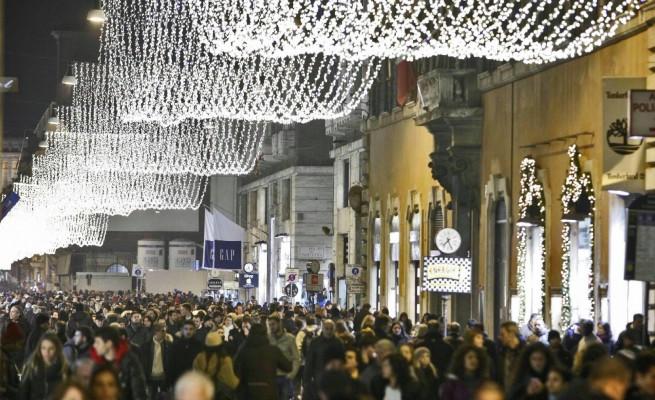 Sarà senza luce il primo Natale del sindaco Raggi?