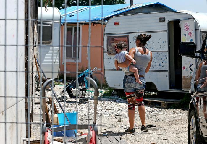 Mafia Capitale, appalti campi rom: 13 persone rinviate a giudizio