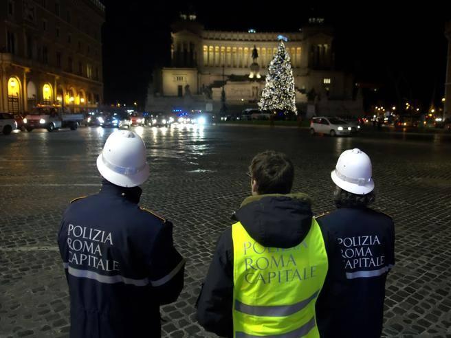 I vigili e la maledizione del 31 dicembre. Cosa accadrà la notte di San Silvestro?