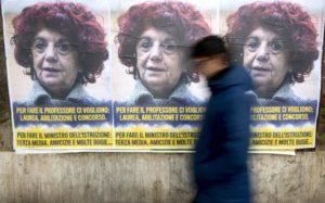 Roma tappezzata di manifesti anonimi contro il ministro Fedeli