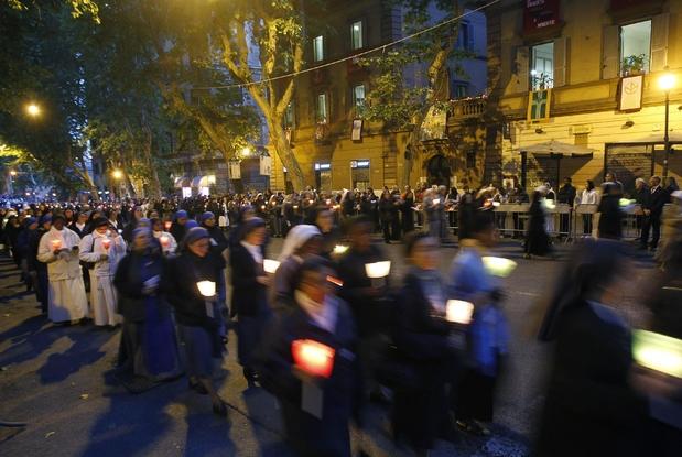 Processioni nel IV municipio Roma, dietrofront M5s: niente tassa