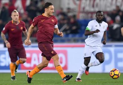 TIMCUP - Roma batte Cesena 2-1 Decide un rigore di Totti allo scadere