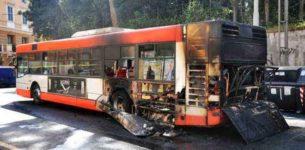 TUSCOLANA – Un altro bus prende fuoco