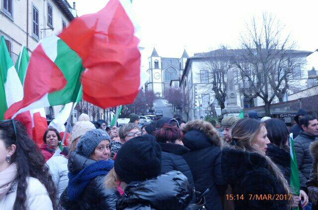VITERBO - Sit in contro gli immigrati a San Martino al Cimino