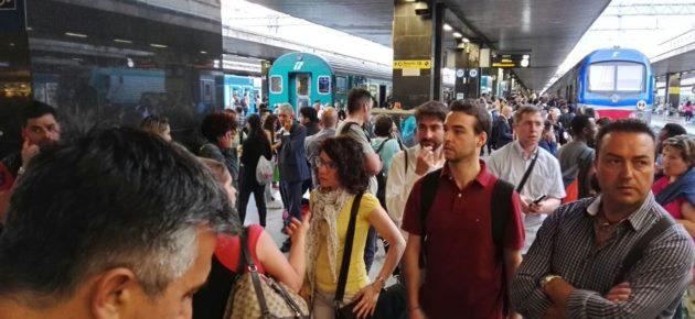 TERMINI<br> Stazione in tilt, tabelloni spenti, treni bloccati