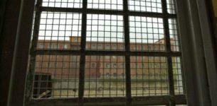 Droga e cellulari in carcere a Rebibbia: sei arresti