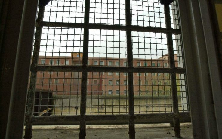 Spacciavano nel carcere di Rebibbia, sei in manette a Roma