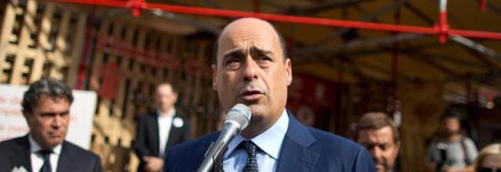 Emergenza rifiuti, Zingaretti suona la carica: «Rischio rivolta nei comuni dell'hinterland»