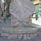 La Fontana delle Api del Bernini torna a splendere grazie all'Olanda. E i Reali arrivano a Roma