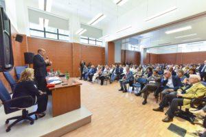 foto-cerimonia-80-anni_intervento-Zingaretti-a-lato-Marta-Branca-1