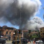 PIETRALATA - Incendio in autodemolitore: due ustionati, uno è grave