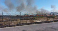 NETTUNO – Decine di ettari in fiamme nel poligono militare, polveriere minacciate