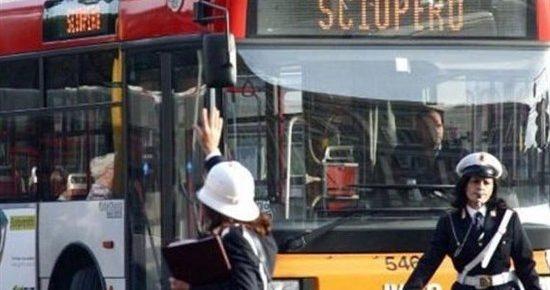 Il prefetto riduce lo sciopero Atac a 4 ore: stop ai mezzi giovedì dalle 8.30 alle 12.30