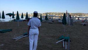 occupazione_spiaggia_controlli_gaeta_25_08_17-e1503817956165