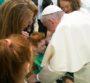 """BLITZ AL S.LUCIA/2 – Gabriel, 6 anni, tetraplegico: """"Caro Papa, vorrei conoscerti"""". E Francesco arriva – [video]"""