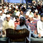 LARGO RAVIZZA - Preghiera islamica, i residenti non hanno gradito