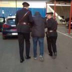 ESQUILINO - Arrestato un 27enne mentre incendiava i cassonetti
