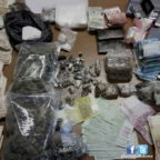Nascondeva in casa droghe e 40mila euro: arrestato