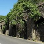 AURELIA ANTICA - Muro pericolante, chiusa la carreggiata